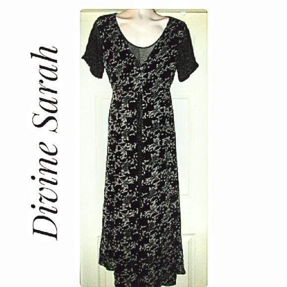 Divine Sarah Dresses & Skirts - Black White Layered-Look Floral Dress Size Medium